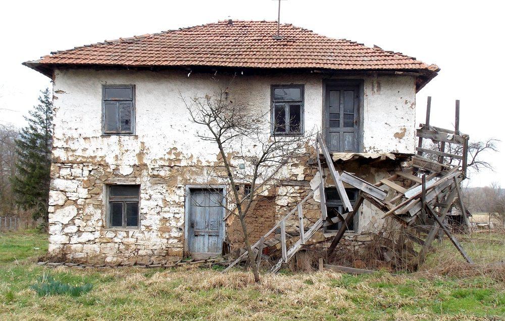 実家 古い建物 空き家